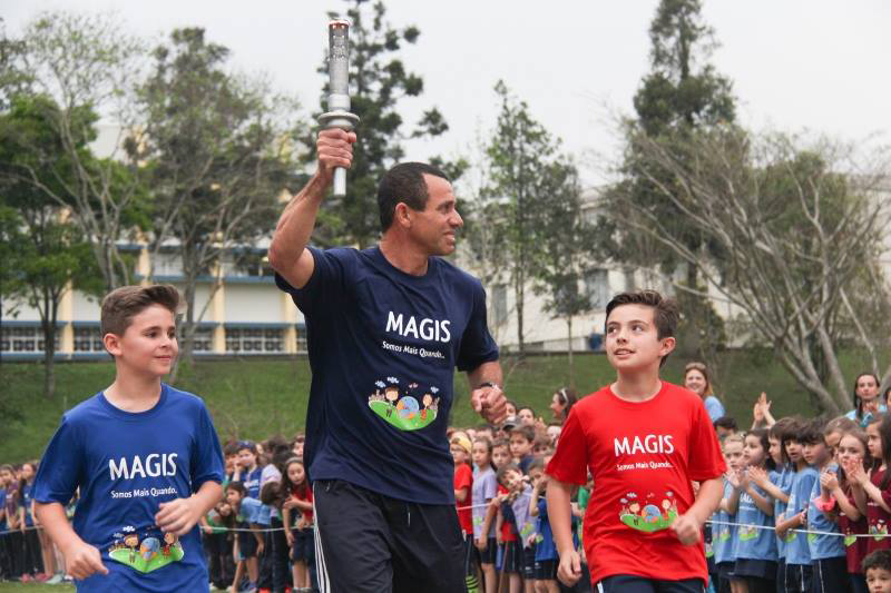 0f2d273278 Hélcio durante a abertura das Olimpíadas da Educação Infantil ao 5º ano em  2016. Foto